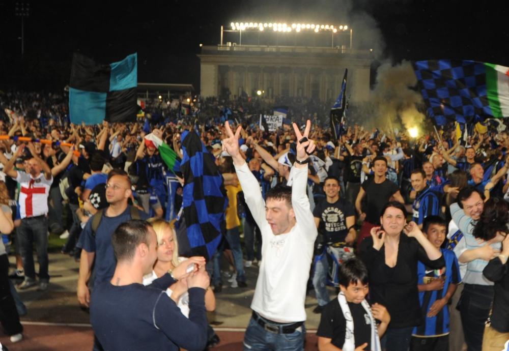 MILANO 22/5/2010 MAXISCHERMO ALL' ARENA CIVICA PER SEGUIRE LA FINALE DI CHAMPIONS LEAGUE INTER-BAYER FOTO ROMANO/AG ALDO LIVERANI