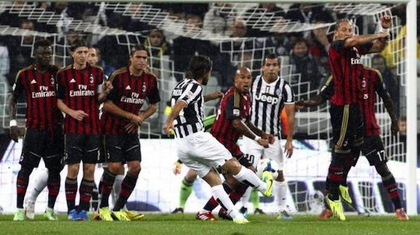 Pirlo segna al Milan